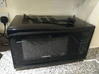 Microwave oven in great condition and barely used