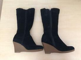 Black leather boots Size 38 EUR