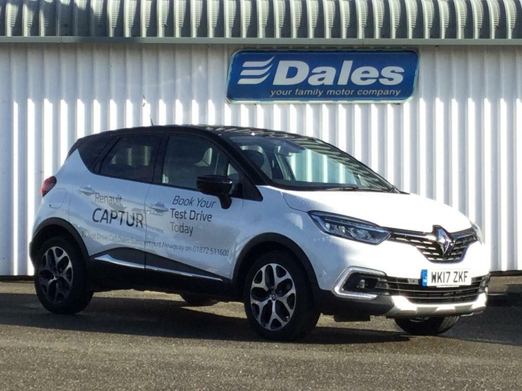 renault captur 1 2 tce 120 signature x nav 5dr arctic white black roof 2017 in newquay. Black Bedroom Furniture Sets. Home Design Ideas