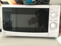 700W microwave in good condition