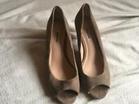 Dune ladies shoes brown size 7/34 used £3 good condition