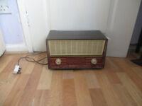vintage Philips radio, working.