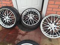 "19"" Diamond cut deep dish Alloys come from BMW"