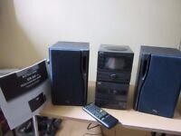 JVC micro component UX-A5 Hi Fi CD/Tuner/auto reverse cassette 21 watt speakers