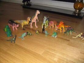 Miniature dinosaurs (16 pieces)