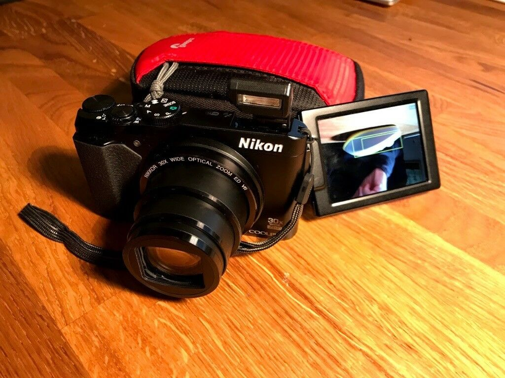 Nikon Coolpix S9900 with 16Gb card