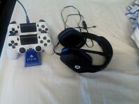 ps4 console 2 like new contrrolers headsets charge cable desctop stand and games