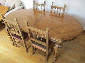 BEAUTIFUL WALNUT Dining Table - 6,8,10,12 seater - 2 removeable sections
