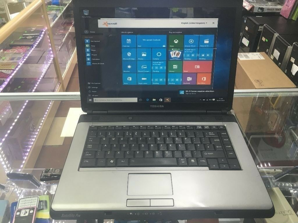 Cheap Fast Toshiba Satalite Laptop 4gb Ram and 160gb HDD