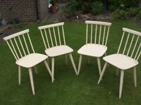 FREEBIE. SET OF FOUR PAINTED WOOD KITCHEN CHAIRS.