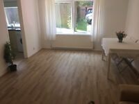 Double bedroom in a shared flat - no dss
