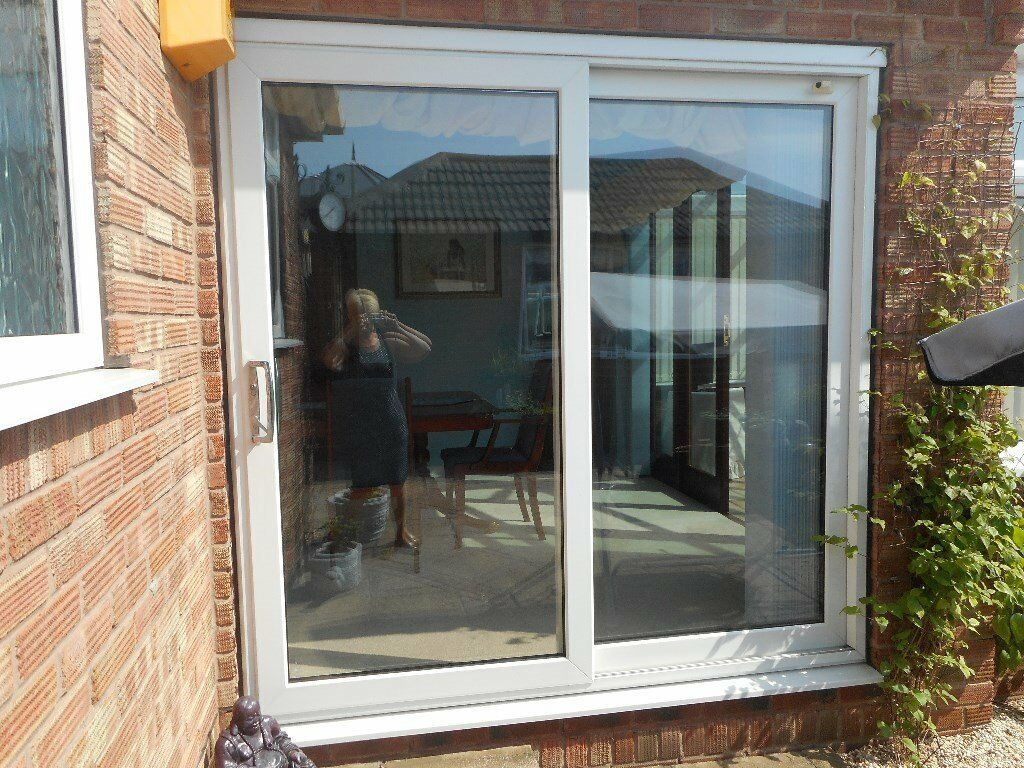 save off 29973 3d326 UPVC White Sliding Patio Doors with vertical blinds | in Wingerworth,  Derbyshire | Gumtree