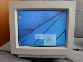 Vintage Apple Multiple Scan 15 Display (M2978)