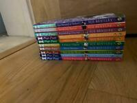 31 Magic kitten and magic puppy books//holly webb books x31