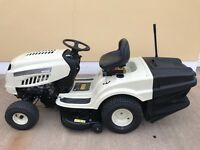 """36"""" TRACTOR LAWNMOWER 14 1/2 HP OHV ENGINE 240 LITRE REAR GRASS BOX"""