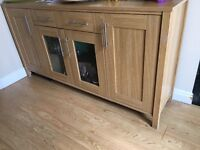 Sideboard wood and glass