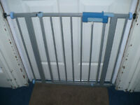 2x Lindam Safety Gates. In good condition.
