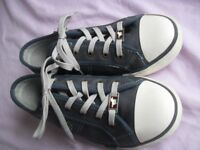 Ladies Leather Trainers by Mustang size 5