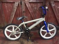 Bmx bike, can deliver