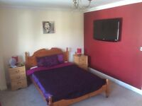 Double Room to rent in Executive House - £650 PCM (All Bills Paid)