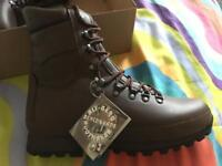 AltBerg Defender Boots Brown *BRAND NEW IN BOX WITH TAGS*