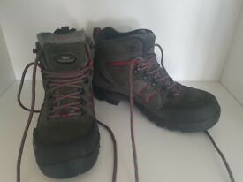 Trespass Womens Hiking Boots. Only worn once.