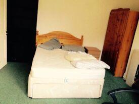 Room in Juxon St (Jericho) available immediately