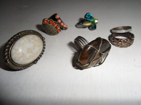Costume jewellery- 6 rings
