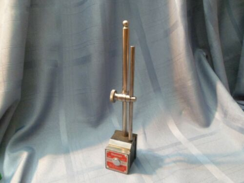 STARRETT 657 MAGNETIC BASE WITH UPRIGHT POST
