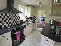 Complete Kitchen Units in a very good condition for sale