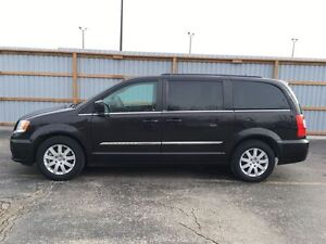 2014 Chrysler Town & Country Touring/BACKUP CAM/STOW'N GO/POWER