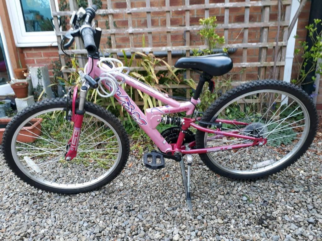 Apolo girl bike, 20 inch wheel