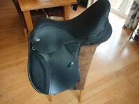"""15"""" Black thorowgood adjustable T4 pony saddle"""