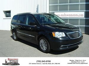 2016 Chrysler Town & Country Touring-L|H/Leather|Pwr Doors & Gat