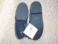 BRAND NEW MENS BLACK CHECK SLIPPERS SIZE 8 by 3M THINSULATE with MEMORY FOAM INSOLES