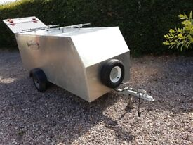 Oxendon Fully Enclosed Windsurfing Trailer. Aluminium structure on a galvanised chassis.