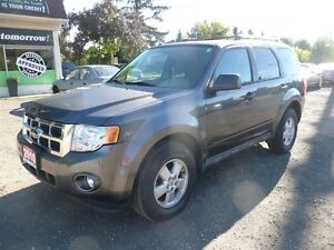 2010 Ford Escape XLT AWD LOW KM'S LIKE NEW