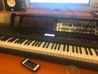 Korg Kross 88 + keyboard stand