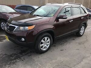2013 Kia Sorento LX, Automatic, Heated Seats, Steering Wheel Con