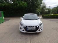 Hyundai i30 Crdi Premium 5dr (white) 2013