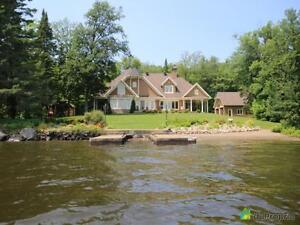 2 200 000$ - Maison 2 étages à vendre à Lac-St-Joseph