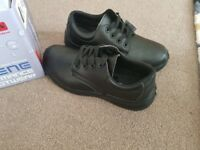 Non-slip steel toecap shoes unisex size 7