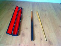 Snooker Pool Cue, Vintage Doug Mountjoy signature, Excellent condition in case 2 piece set