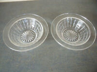 2 identical vintage clear glass bowls,dishes - desserts,sweets,nuts,display.£2.50 ovno both/£1.50 ea