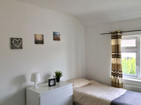 Room's To Let With House Share £70PW