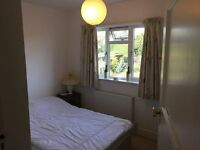 Double Room Available, Lovely Spacious House - Old Town Swindon £95 per Week