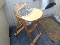 Beautiful MOTHERCARE HIGHCHAIR in Wood