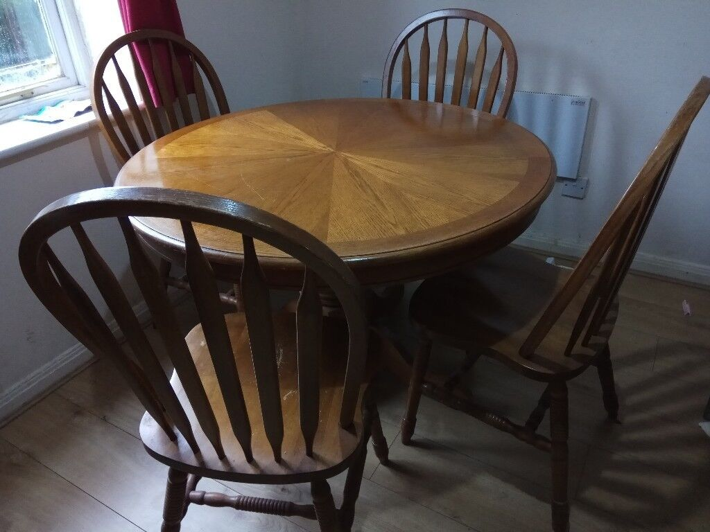 3ft 6 Inches Round Solid Wood Pedestal Dining Table With