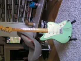 Hodson Surfcat electric guitar - EFFECTIVELY NEW