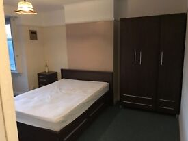 2 BEDROOM FLAT IN TOLWORTH KT5 AVAILABLE STRAIGHT AWAY!!